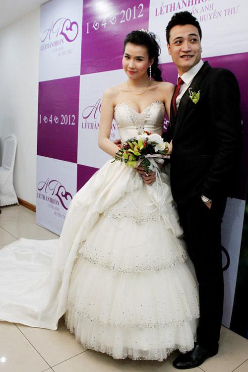 7 mẫu váy cưới đẹp nhất của cô dâu Việt - 5