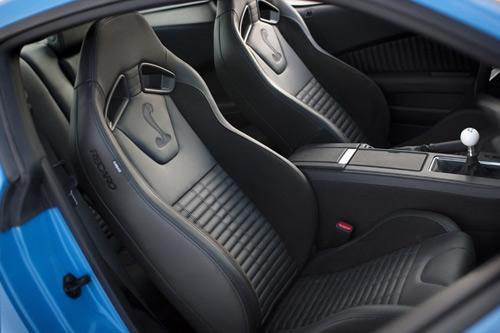 C63 AMG chạm trán Shelby GT500 - 4