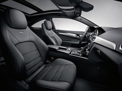 C63 AMG chạm trán Shelby GT500 - 7