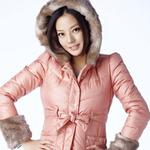 Thời trang - Triệu Vy mặc đẹp giữa trời đông