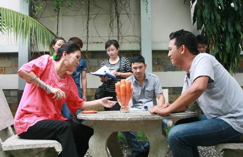 56 tuổi, NSUT Kim Xuân vẫn hồi teen - 3