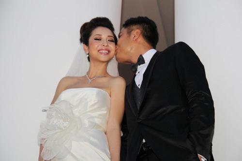 Vợ chồng Jennifer Phạm hôn nhau tình cảm - 7