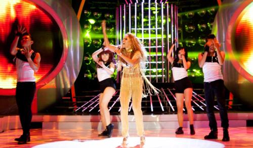 Sững sờ vì bản sao Jennifer Lopez Việt - 2