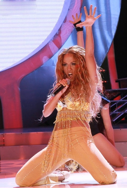 Sững sờ vì bản sao Jennifer Lopez Việt - 3