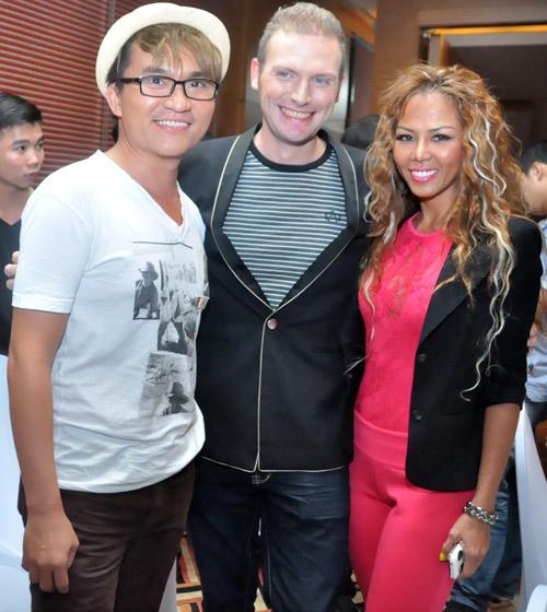 Sững sờ vì bản sao Jennifer Lopez Việt - 10