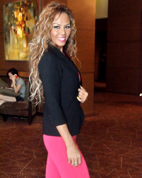 Sững sờ vì bản sao Jennifer Lopez Việt - 5