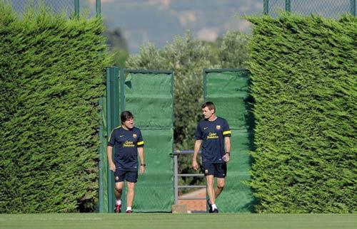 Barca: Tito nhập viện, Jordi tạm quyền HLV - 2