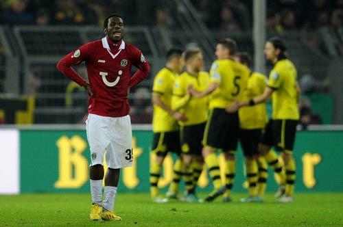 "Dortmund - Hannover: ""Thần đồng"" tỏa sáng - 1"