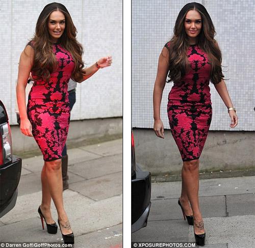 Nữ diễn viên U70 ăn mặc quá đà! - 6