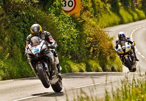 Giải đua Moto khốc liệt nhất hành tinh - 1