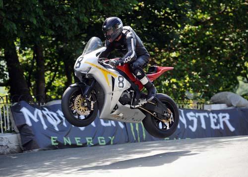 Giải đua Moto khốc liệt nhất hành tinh - 8
