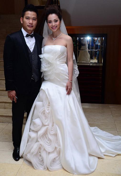 7 mẫu váy cưới đẹp nhất của cô dâu Việt - 13