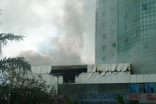 Nguyên nhân cháy siêu thị lớn nhất Hà Tĩnh - 1