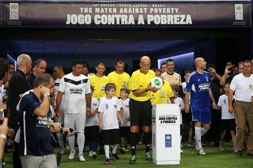Siêu trận đấu đội Ronaldo – đội Zidane - 1