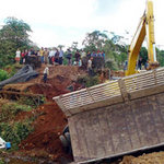 Tin tức trong ngày - Lật xe ở Lào: Lời kể người sống sót
