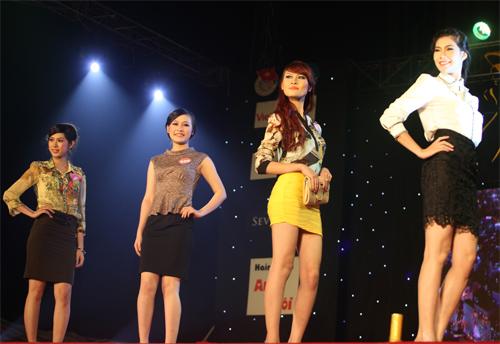 Miss Kinh doanh tỏa sáng trong giá lạnh - 14