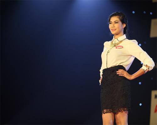 Miss Kinh doanh tỏa sáng trong giá lạnh - 15