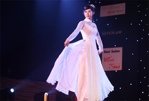 Miss Kinh doanh tỏa sáng trong giá lạnh - 12