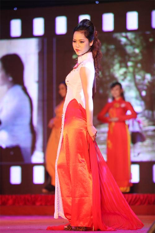 Miss Kinh doanh tỏa sáng trong giá lạnh - 11