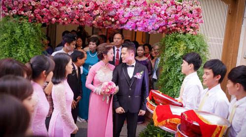 """Ba đám cưới """"dậy sóng"""" Vbiz 2012 - 8"""
