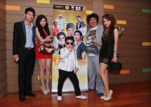 Psy nhí về Việt Nam đóng phim Tết - 16