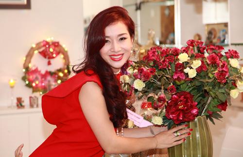 Vợ chồng Thu Hương hôn nhau tình tứ - 7