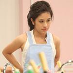 Miss Teen xinh đẹp thử tài vào bếp