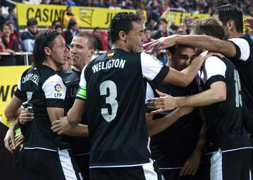 HOT: Ronaldo chúc Tito sớm bình phục - 2