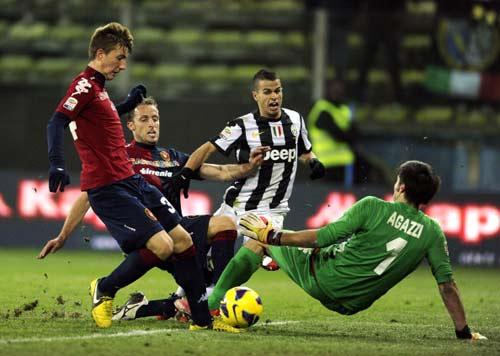 Cagliari - Juve: Người hùng dự bị - 1
