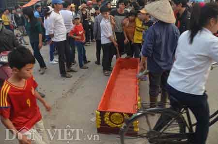 Quảng Ninh: Hàng trăm người tấn công CA - 1
