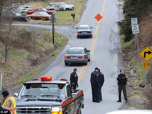 Mỹ: Thảm sát ở bang Pennsylvania 4 người chết - 1