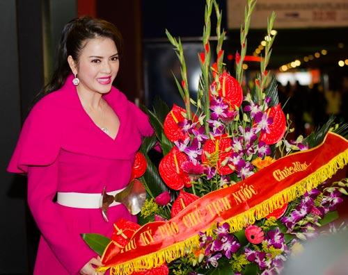 Jennifer Phạm khoe nhẫn cưới - 6
