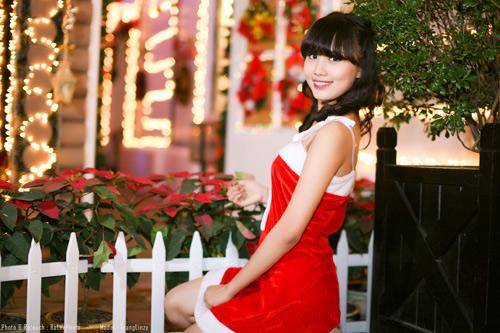 Hot girl Phương Đông xinh tươi trên phố Noel - 5