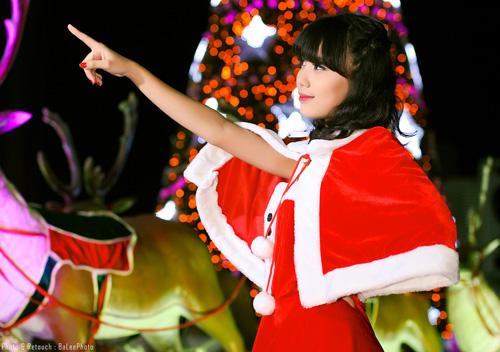 Hot girl Phương Đông xinh tươi trên phố Noel - 6