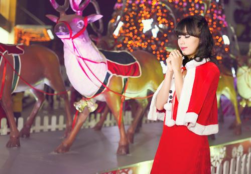 Hot girl Phương Đông xinh tươi trên phố Noel - 9
