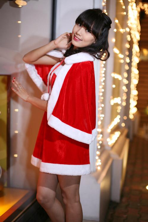 Hot girl Phương Đông xinh tươi trên phố Noel - 14