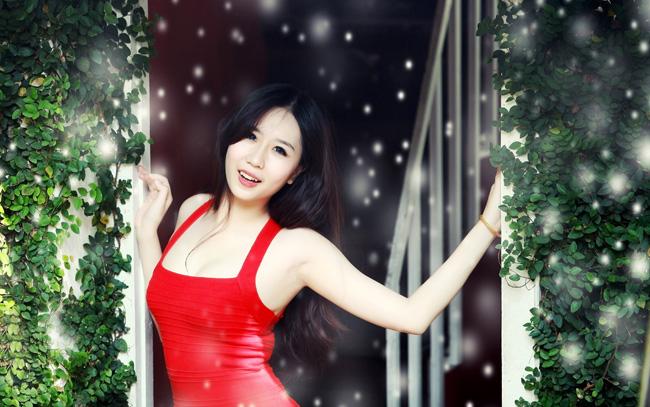 Nu Phạm ngọt ngào với bikini   Nu Phạm khoe đường cong nóng bỏng  Nu Phạm: Không muốn thành Ngọc Trinh thứ hai  Nu Phạm nồng nàn sắc đỏ đón giáng sinh
