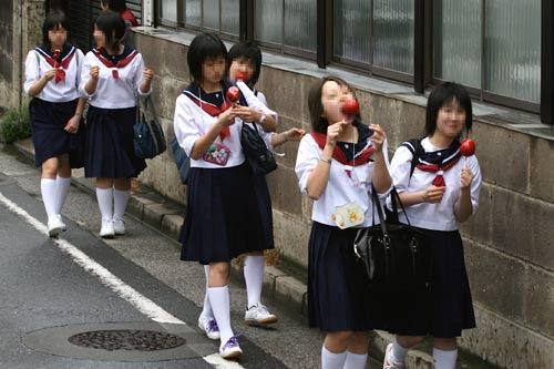 """Lạ lùng """"công nghiệp sung sướng"""" ở Nhật - 3"""