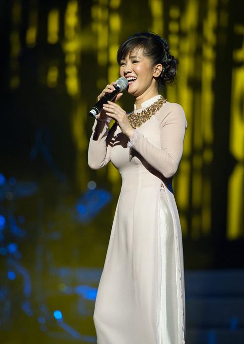 Hồng Nhung bật khóc nhớ Trịnh Công Sơn - 4