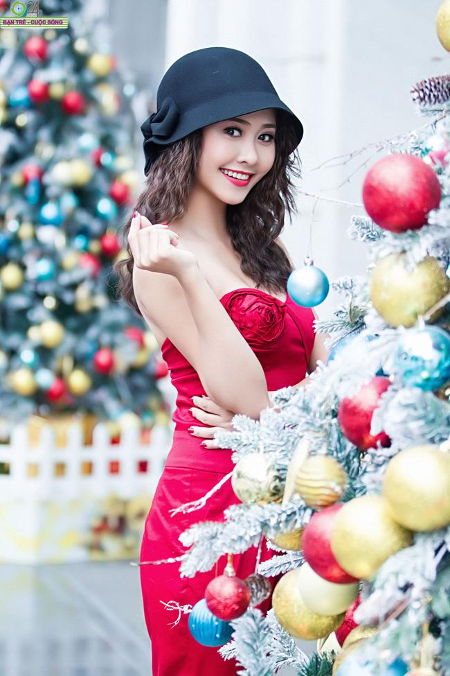 Nu Phạm gợi cảm sắc đỏ giáng sinh  Hương Thảo hóa thiên thần nóng bỏng Nu Phạm ngọt ngào với bikini  Hà Lade gợi cảm đón ngày mới