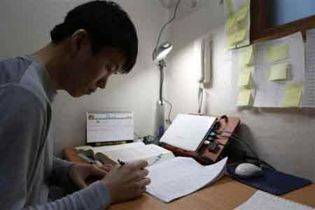 Đột nhập lò luyện thi công chức Hàn Quốc - 3