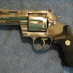 An ninh Xã hội - Con nghiện dùng súng cướp ngân hàng