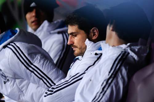 """""""Nạn nhân"""" Casillas lên tiếng - 1"""