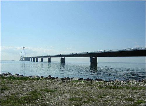 14 cây cầu nổi tiếng nhất thế giới - 1