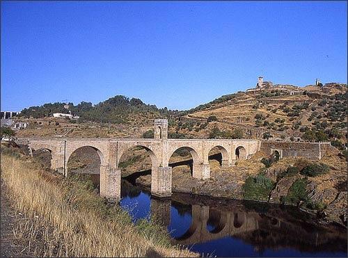 14 cây cầu nổi tiếng nhất thế giới - 4