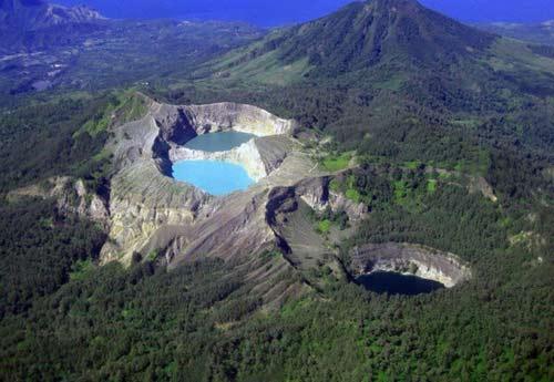 Chiêm ngưỡng 10 miệng núi lửa đặc biệt nhất thế giới - 3