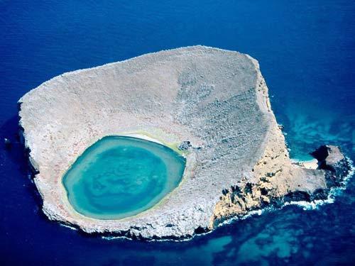 Chiêm ngưỡng 10 miệng núi lửa đặc biệt nhất thế giới - 5
