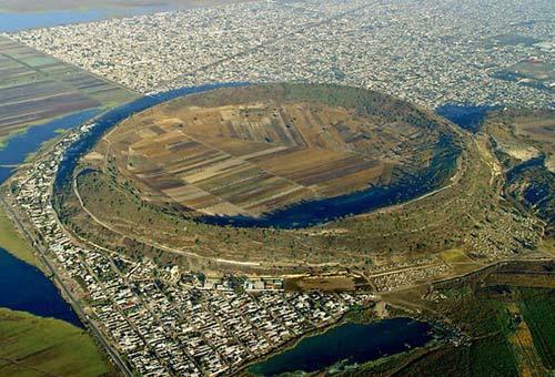 Chiêm ngưỡng 10 miệng núi lửa đặc biệt nhất thế giới - 8