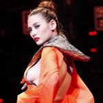 Thời trang - Hoàng Yến bị phạt 3,5 triệu vì hở ngực