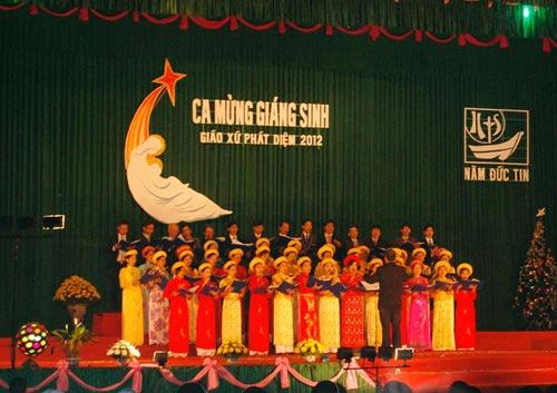 Đêm Noel lung linh ở nhà thờ đá Phát Diệm - 5